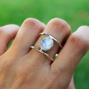 Everyday Wear Round Rainbow Moonstone 925 Silver Ring CABR46