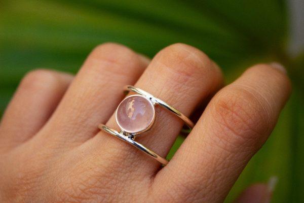Everyday Wear Round Rose Quartz 925 Silver Ring CABR43